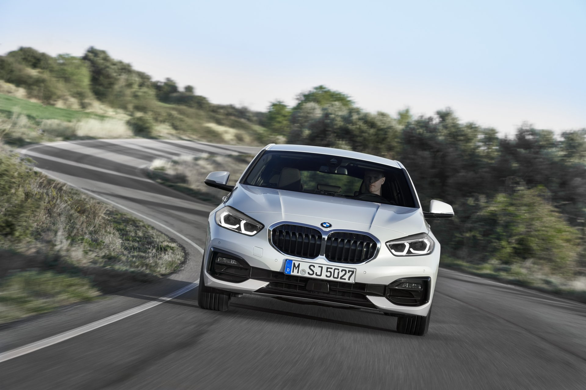 P90349609_highRes_the-all-new-bmw-1-se.jpg