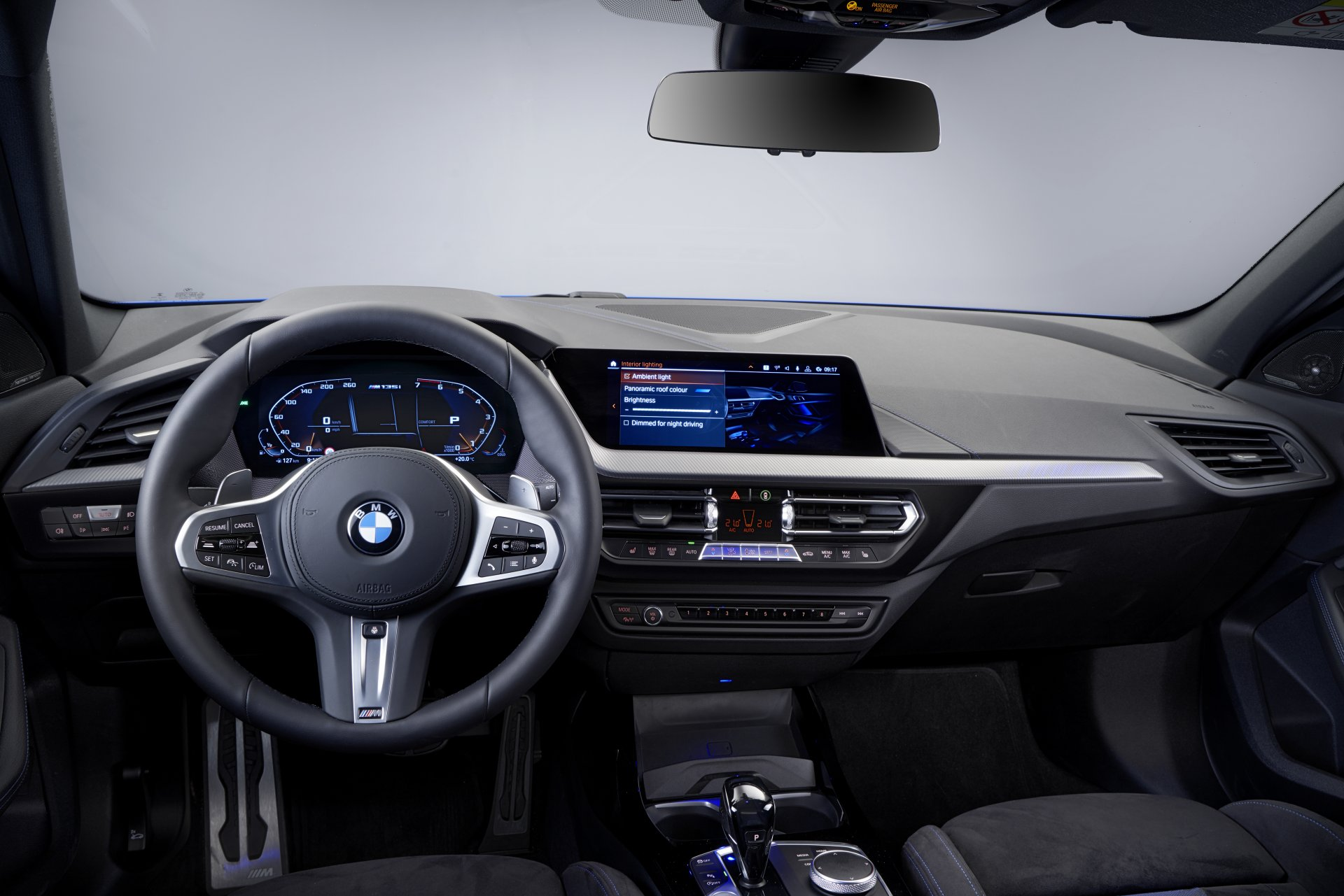 P90349640_highRes_the-all-new-bmw-1-se.jpg